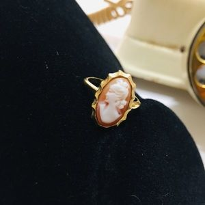 Vintage Sarah Coventry Cameo Carved Ring